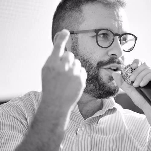 """Francesco Cancellato conduce il podcast """"Il muro"""" su """"Gli Ascoltabili"""""""
